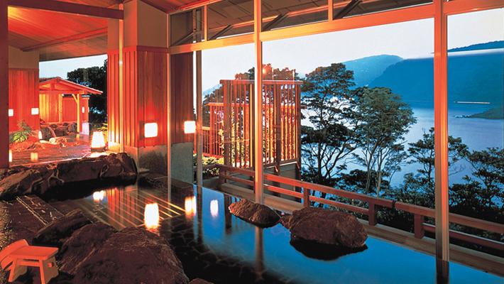 https://top.dhc.co.jp/akazawa/image/hotel/onsen1.jpg